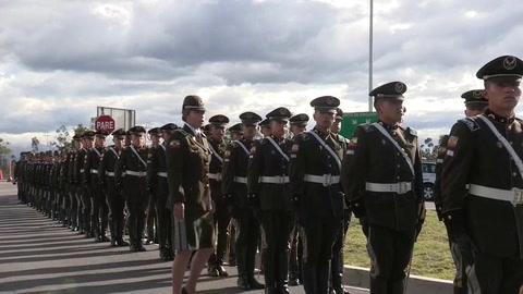 Ecuador recibe con honores los restos de la cadete fallecida en el ataque de Bogotá