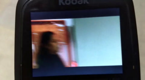 VIDEO: Incidentes entre familiares del detenido y la mujer asesinada