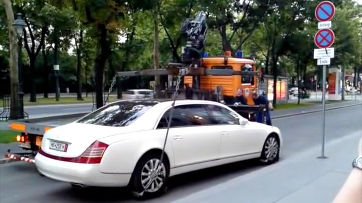 Luksusbilen er så tung at tauerne må gi opp