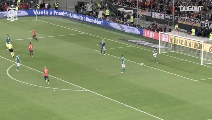 أفضل التمريرات الحاسمة: أندريس إنييستا إلى رودريجو مورينو أمام ألمانيا