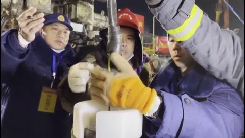 Los mineros atrapados en China logran transmitir una nota a los socorristas