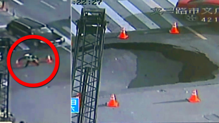 Politiet sperrer av området – sekunder senere forsvinner bakken
