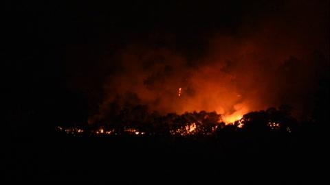 Cuatro mil evacuados por incendio forestal sin control en Gran Canaria