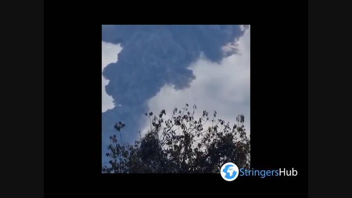 Mexico: Volcano erupts with a kilometre-high column of ash