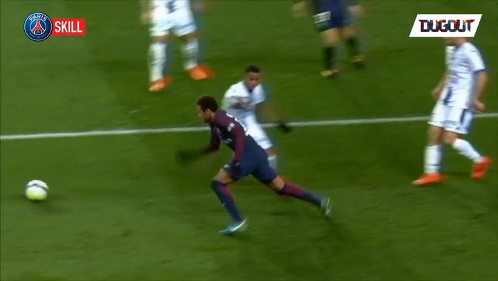 Neymar's incredible nutmeg + rabona