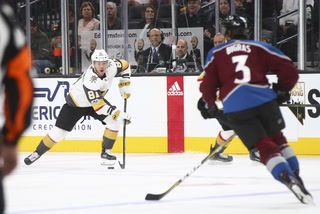 Golden Edge: Knights rout Avalanche 7-0