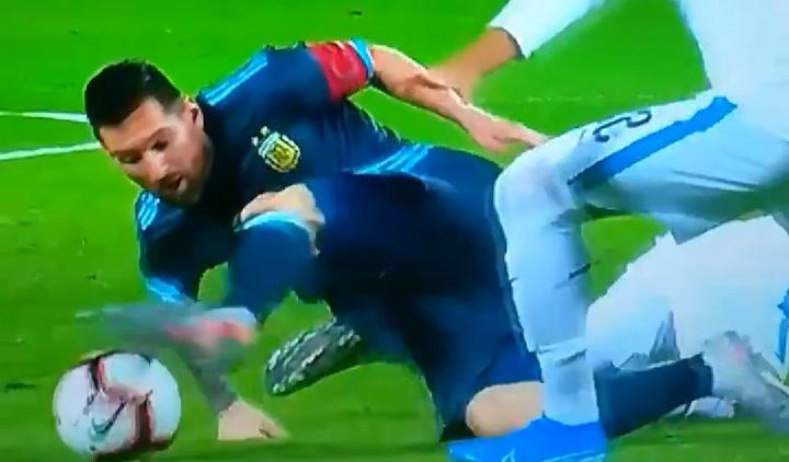 Jugadón de Messi ante Uruguay