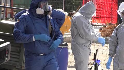 Soldados rusos desinfectan una residencia de ancianos en Italia