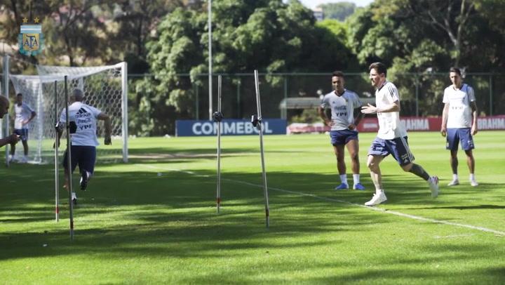 La Selección argentina se entrena con vistas al partido ante Paraguay