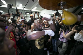 Mayweather says his experience will be key to defeating McGregor