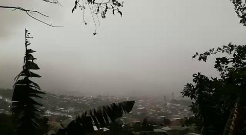 Intensa lluvia se registra en la capital de Honduras
