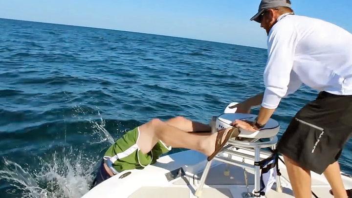 Beistet på kroken ble for sterk for fiskeren