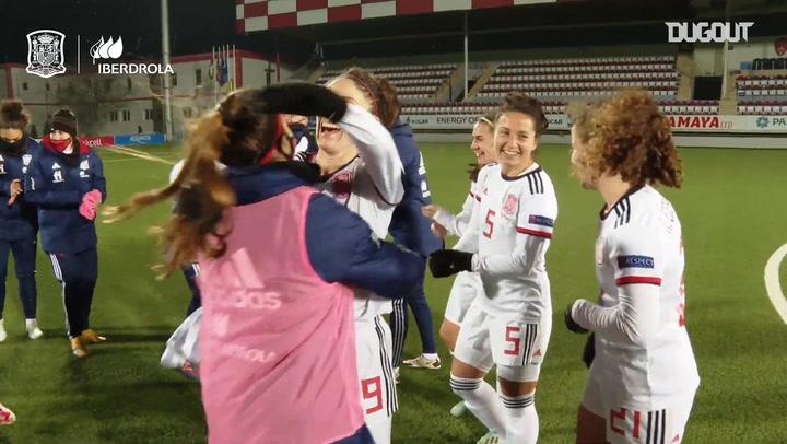 Spain women's national team celebrate qualifying for 2022 Euro