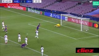 Suárez no perdona desde el manchón penal y marca el 3-0 sobre el Napoli.
