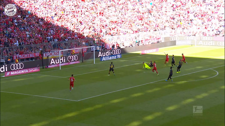 Robert Lewandowski fires home team-goal vs FC Köln