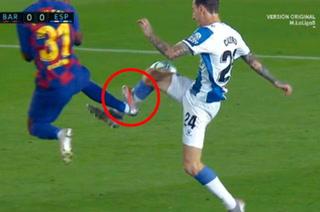 La brutal entrada de Ansu Fati que le costó la tarjeta roja en el BarcelonaEspanyol