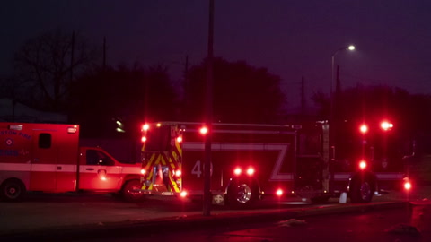 Explosión industrial mata a dos personas en Houston, Texas, y destruye casas