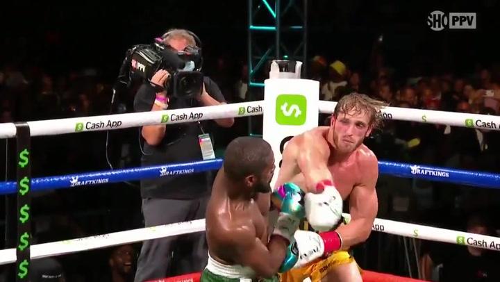 Mayweather domina claramente a Paul en otra polémica exhibición de boxeo