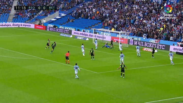 Gol de Loren (0-1) en el Real Sociedad 3-1 Real Betis