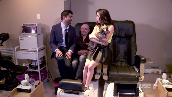 Shows: White Guy Talk Show: Rob Corddry Web Extra (Foot Tub Time Machine)