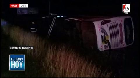 Al menos 30 heridos al volcar un micro en la ruta 2 a la altura de Castelli
