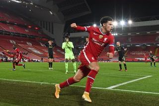 Liverpool, con regalo de Onana, avanza a octavos tras vencer al Ajax por la mínima
