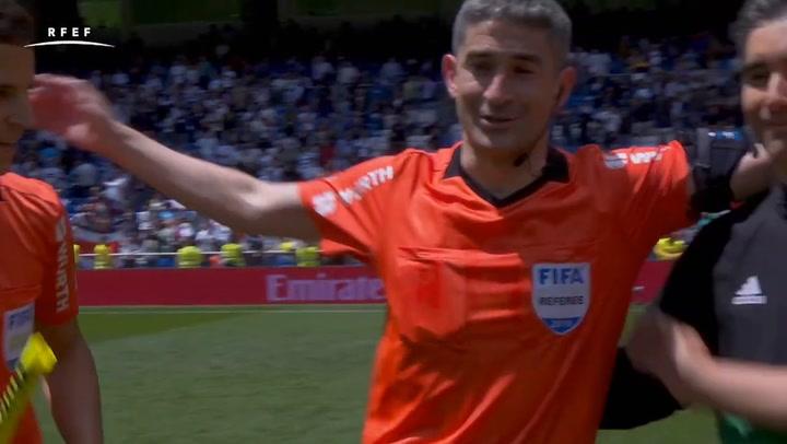 Así fue el último partido en Primera División de Alberto Undiano Mallenco
