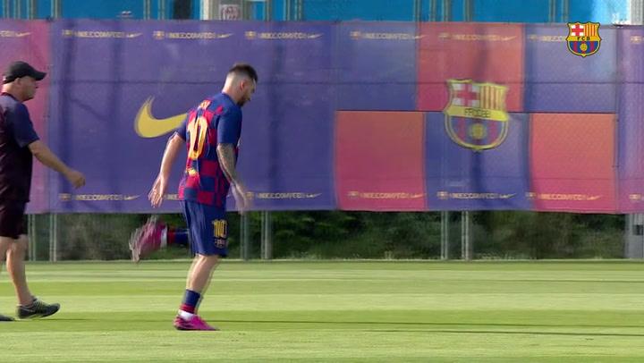 Messi se entrena con el grupo y apunta al Betis