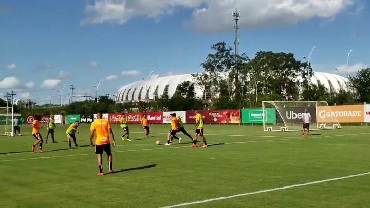 Paolo Guerrero anotó su primer gol con Inter de Porto Alegre en partido de práctica