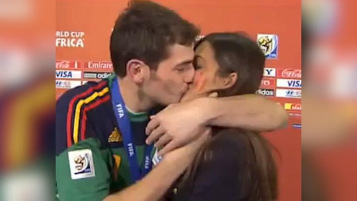 Se cumplen diez años del icónico beso entre Iker Casillas y Sara Carbonero