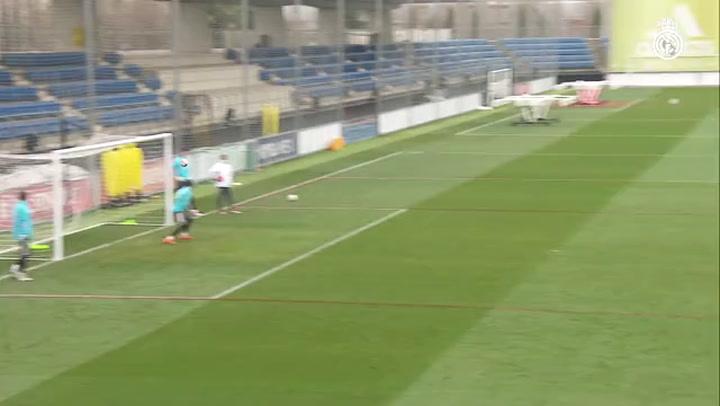 Último entrenamiento del Real Madrid antes de recibir al Granada