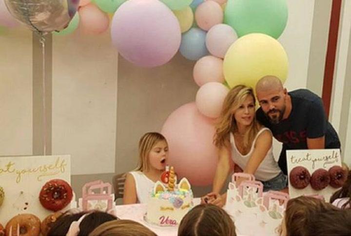 Víctor Valdés, de celebración por el cumpleaños de su hija