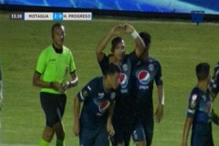Emilio Izaguirre anota el 2 - 0 de Motagua ante Honduras Progreso