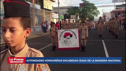 Autoridades hondureñas encabezan izada de la Bandera Nacional