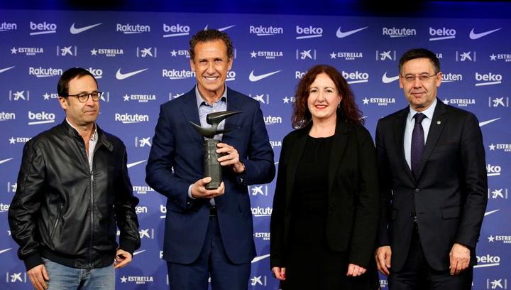 Valdano recoge el Premio Internacional de Periodismo Manuel Vázquez Montalbán