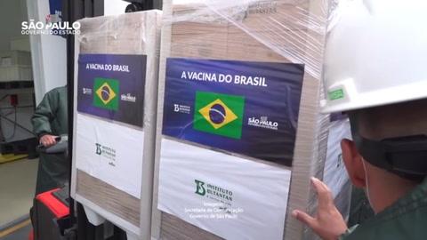 Instituto Butantan dice que críticas de Bolsonaro a China atrasan llegada de vacunas