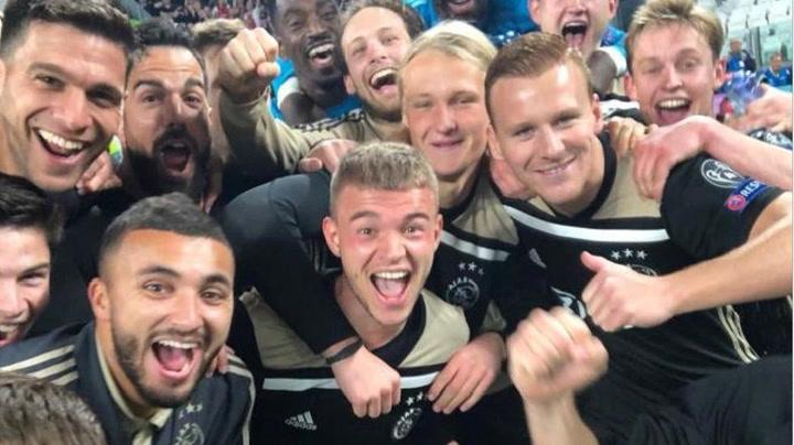 Los jugadores del Ajax celebran su pase a semifinales