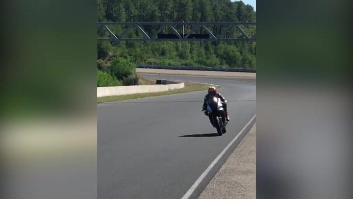Viñales entrena con una Yamaha R1M en el circuito internacional de Zuera