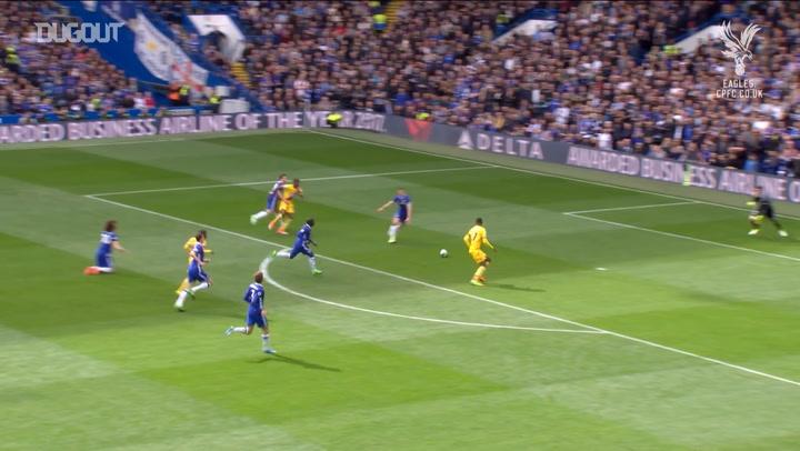 Incredible Goals: Christian Benteke Vs Chelsea