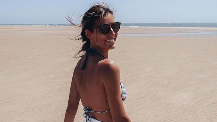 Ana Boyer y Verdasco disfrutan de sus vacaciones en la playa mientras el pequeño Miguel busca cangrejos