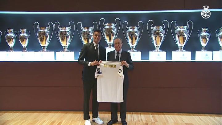 Presentación de Reinier en el Santiago Bernabéu