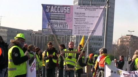 Los chalecos amarillos llevan su protesta frente a la sede de la ONU en Ginebra