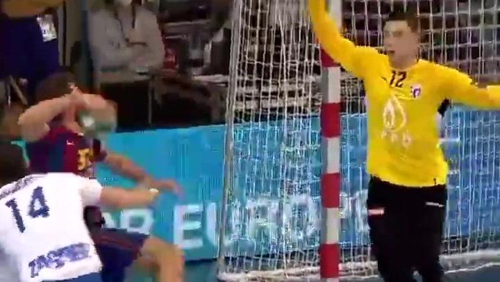 Espectacular gol con una 'rosca' endiablada de Haniel Langaro ante el Zagreb