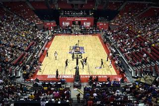 Premier Vegas Sports: Fans crowd arena for Kings vs. Suns