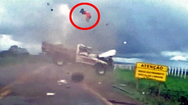Passasjer kastet ut av løpsk pickup – overlevde