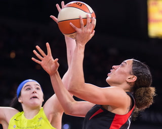 Las Vegas Aces Top Dallas Wings 86-68 – Video Highlights