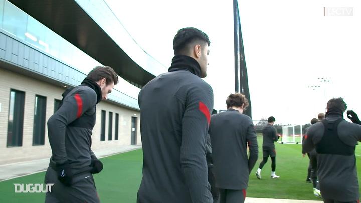 Behind the scenes: Ozan Kabak in Liverpool training