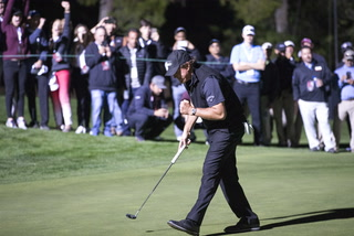 Tiger Woods, Phil Mickelson break down The Match in Las Vegas