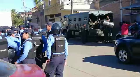 Ejercito y Policía Nacional realizan desalojo en sector capitalino