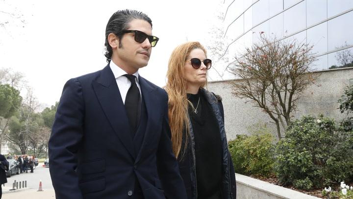 Familiares y amigos despiden emocionados a Cristina de Borbón